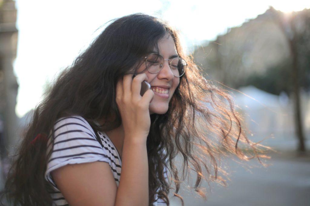 GIRL LONG HAIRS GLASSES