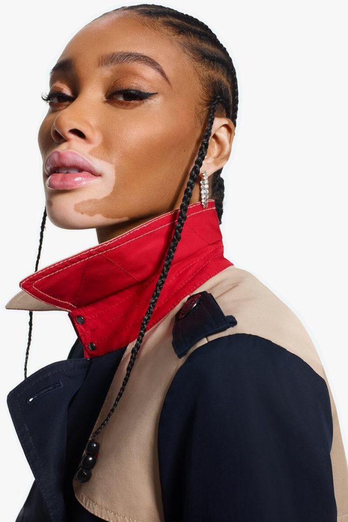 BLACK WOMAN RED TROUSER