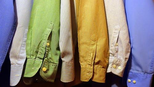 CLOTHES COLOURS