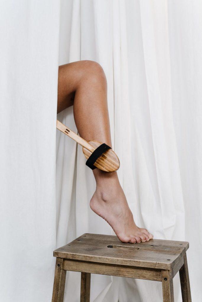 LEG BRUSH