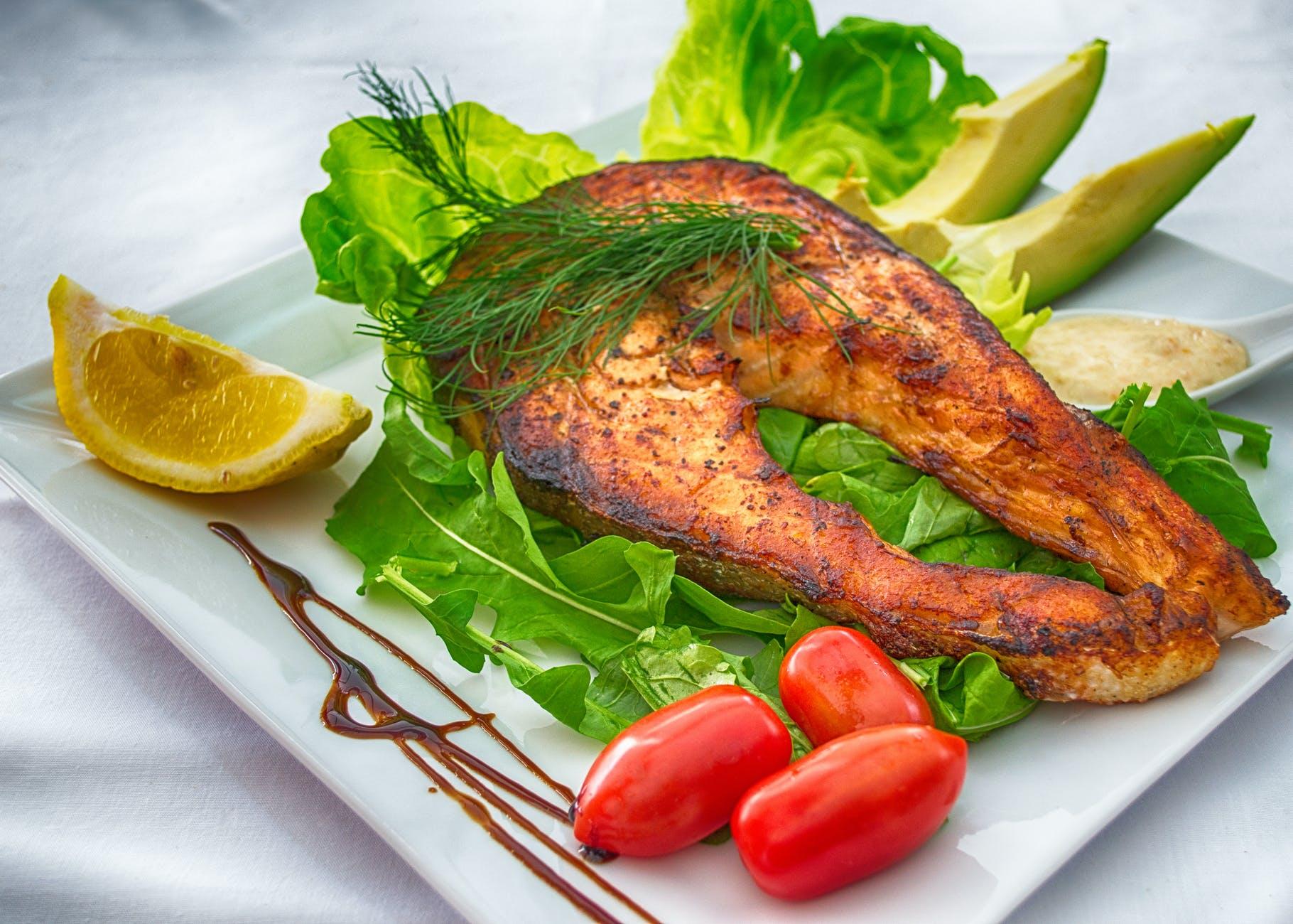 PLATE FOOD SALMON