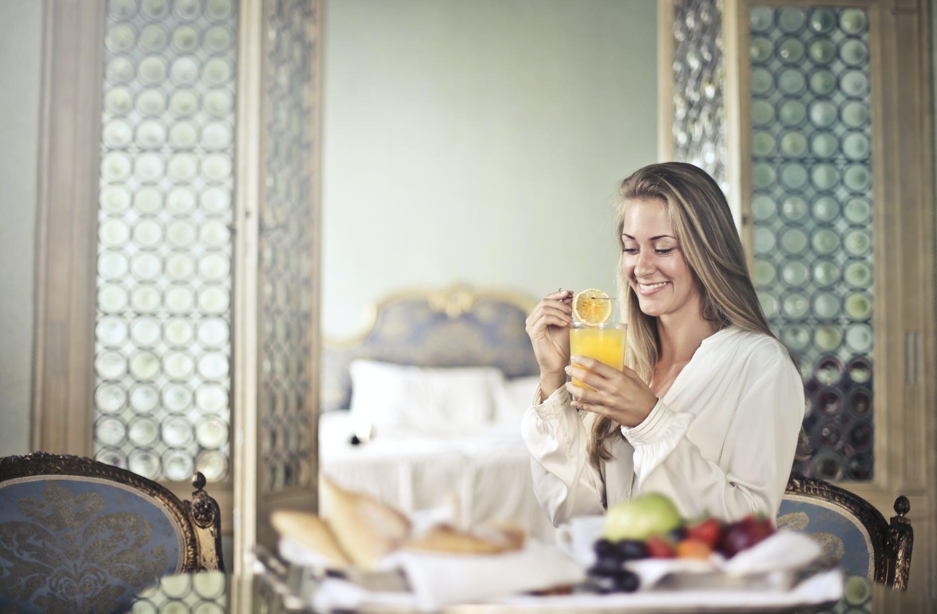 woman eat fruits